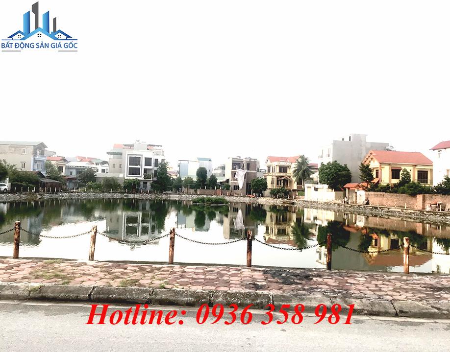 Cần bán gấp nhà 3 tầng mặt Hồ Đầm Tranh, Cự Khối, Long Biên, Hà Nội.