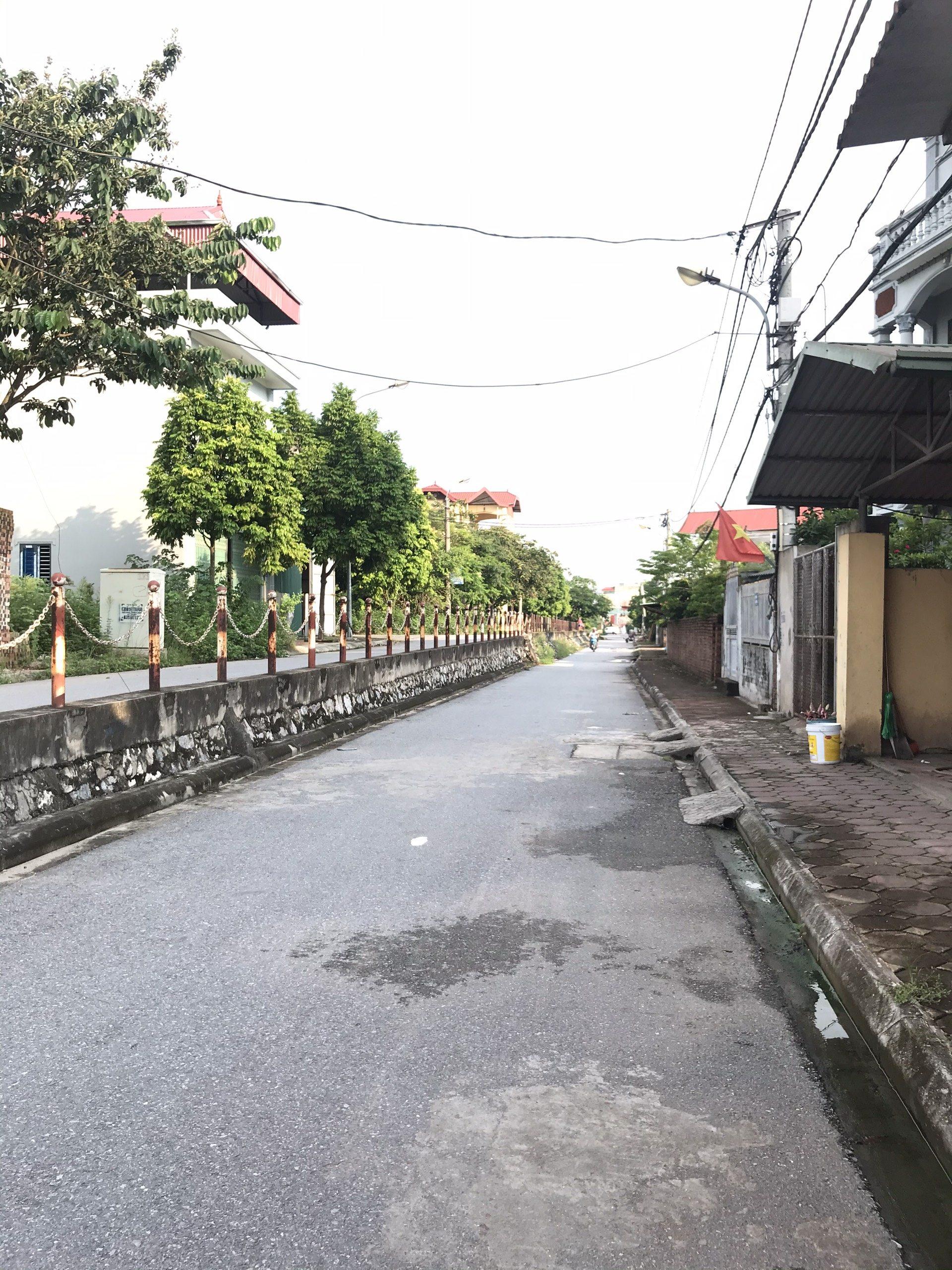 Cần bán lô đất 40,4m2 tại Thôn 3, Đông Dư, Gia Lâm, Hà Nội.