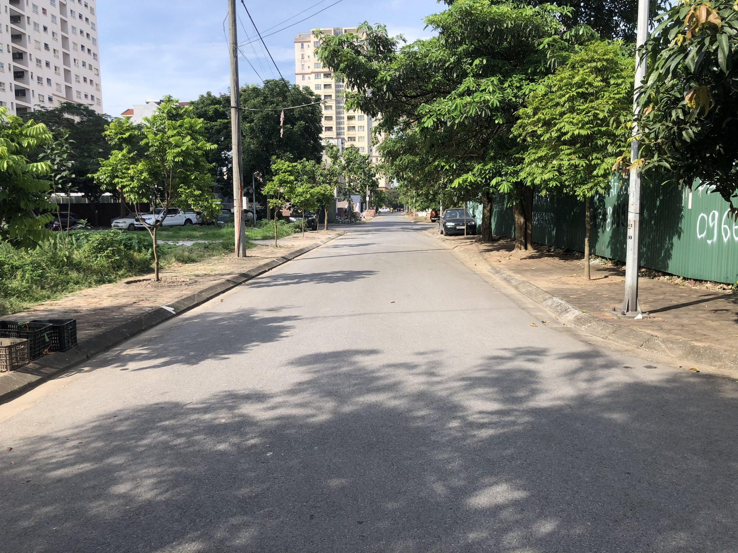 Cần bán nhanh 175m2 đất khu đô thị mới Sài Đồng, Đường oto tránh, kinh doanh thuận lợi